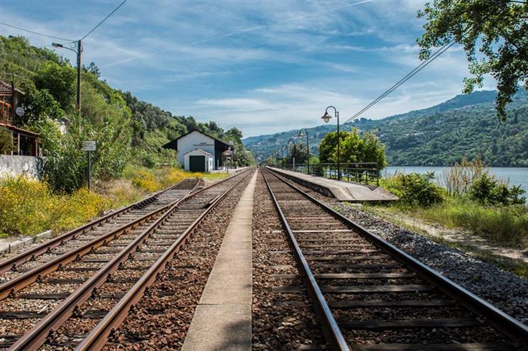 Comboio exclusivo para turistas na linha do Douro entre maio e outubro
